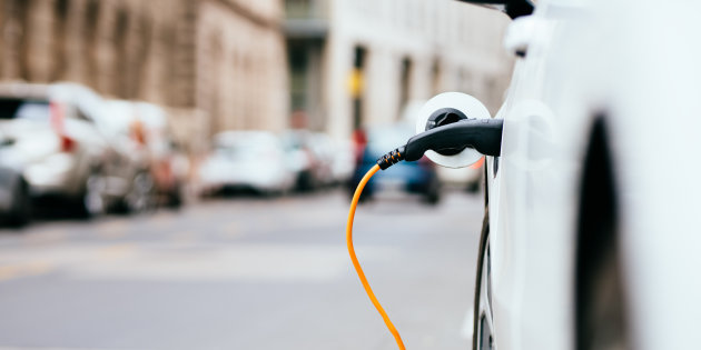 Canadian Households Can Save Big By Driving Electric Cars: Study
